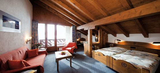 Junior suite with balcony Longhin – Hotel Chesa Grischa in Sils-Baselgia